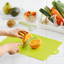 Kitchen Cooking Tools Flexible PP Plastic Non-slip Hang hole Cutting Board Food Slice Cut Chopping Block 301-0490(China)
