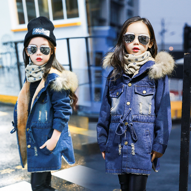 Girl cowboy winter coats fur coat of South Koreas add more velvet cotton denim jacket coat childrens clothes<br>