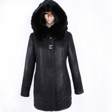Direct supply from factory winter fashion Cold resistant Faux sheepskin coats women special offer 2017 bts natural Rabbit's hair(China)