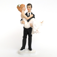 High Quality Wedding Favor Groom Hug Bride Romantic Couple Figurine European Style Wedding Cake Toppers Wedding Decoration(China)