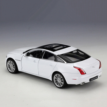Popular 1/24 Alloy 2010 Jaguar Car Models XJ Diecast Children Toys Gifts Collections  Displays Plastic Rubber Black and White