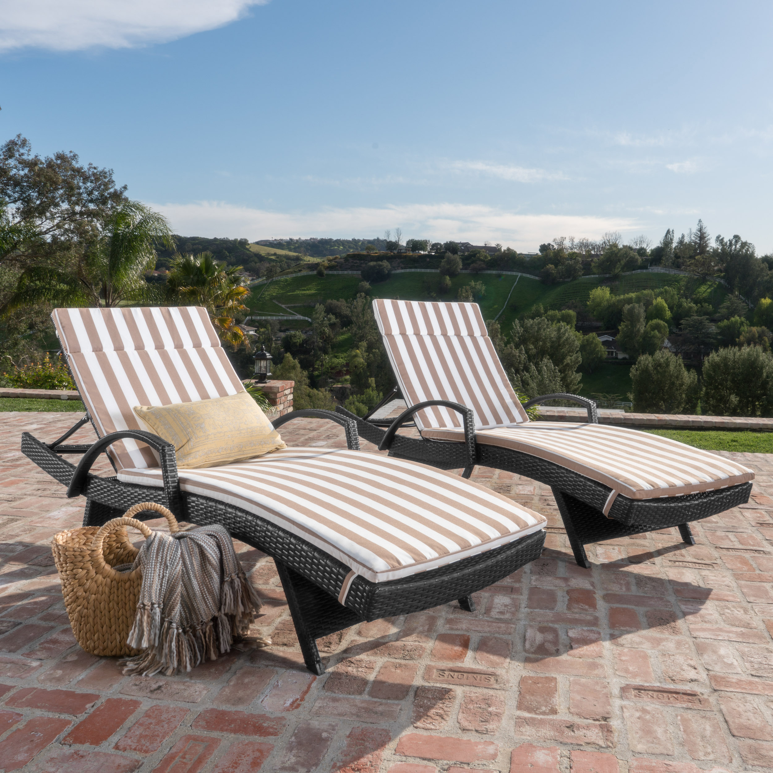 Soleil Outdoor Wicker Chaise Lounges w/ Water Resistant Cushions (Set of 2) (1)