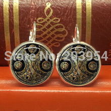 1pcs/lot New arrival 2017 movie Doctor dr who Gallifreyan master stud earrings 12mm steampunk jewelry womens mens dw small girl