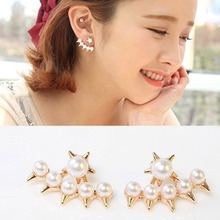 Charming Jewelry Gift 1 Pair Romantic Style Rivet Cone Simulated Pearl  Woman Ear Stud Color Gold Color EAR-0756