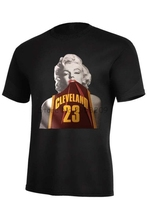 Marilyn Monroe Wearing Lebron James #23 Cleveland Jersey T shirt Men Summer Style Cotton T-Shirt Custom Tee