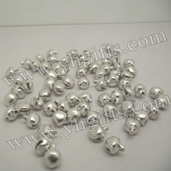 1000PCS/LOT.6mm Silver jingle Bell,Lacing bells,Silver bells,Craft material,Indoor christmas ornament.Freeshipping wholesale(China (Mainland))