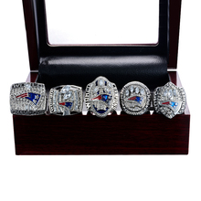 Replica New England Patriots 2001 2003 2004 2014 2017 patriots Super Bowl Tom Brady Number 12 Championship Ring Size 8-14(China)