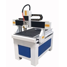 High accuracy 1.5/2.2 kw 3d wood router machine/ wood cnc router machine 6090 round rails for one year warranty(China)