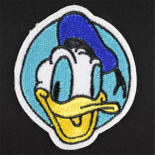 Clothes baby Embroidered patch iron on patches for clothing 7cm Donald Duck Diy Jacket Shirt Polo Cap Jeans Free shipping