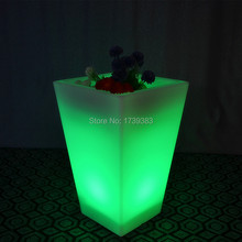 Wholesales waterproof outdoor rechargeable color changing glowing cube led flower pot square led ice bucket as pub furniture