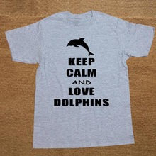 New Funny Humor Keep Calm And Love Dolphins Animal Lover T Shirt Cotton Short Sleeve T-shirts Men Top Tees Camisetas Masculina