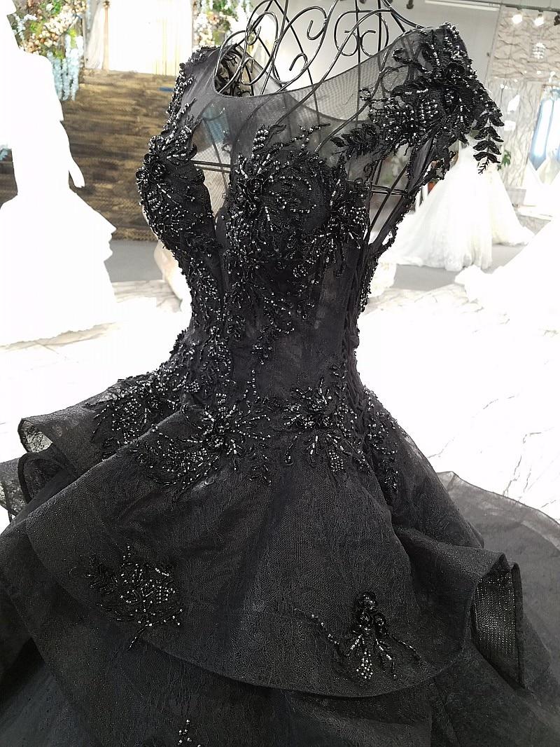 sleeveless black wedding dress