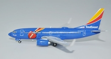 Special offer new Ge iniJets 1: 400 GJSWA1577 Southwest Airlines B737-700 / w N409WN Alloy aircraft model Collection model(China)