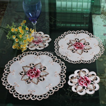 New Hot High Quality Round Elegant Polyester Floral Embroidery Placemat Tablecloth Embroidered Rose Covers
