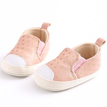 2018 New Indoor Baby Leisure Shoes Cute Polka Dot Unisex Baby Shoes Easy Slip on Toddler Shoes(China)