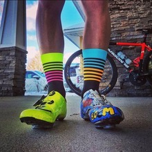 Unisex multicolor striped Cycling socks professional Men Sports Running outdoor bicycle socks