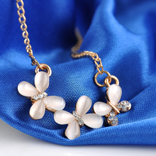 Fashion Opal Cherry Petal Pendant Necklace Rhinestone Women Girls Chocker necklace Gifts Jewelry Gold color Free Shipping