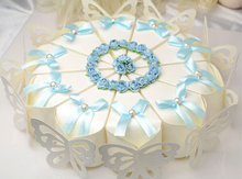 50 pcs Creative Sweet Butterfly White Cake Candy Boxes with sky blue / purple Flower bowknot Wedding Favor Gift Paper Box