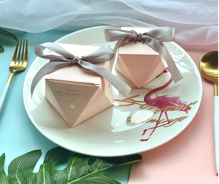 New PinkRedBule Diamond Shape Baby Shower Candy Boxes Wedding Favors and Gifts Boxes Birthday Party Decoration for Guests (10)