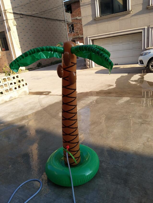 Täispuhutav vett pritsiv palm