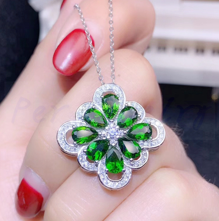 Natural diopside flower necklace pendant Free shipping 925 sterling silver 0.45ct*8pcs gemstone Fine jewelry #S194502