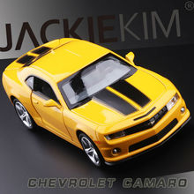 High Simulation Exquisite Diecasts & Toy Vehicles: CaiPo Car Styling Bee Chevrolet Camaro Supercar 1:32 Alloy Car Model Toy Car(China)