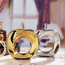 New Ceramic Apple crafts Christmas gift large size creative fashion ceramic plated silver and gold apple ornaments furnishings(China)
