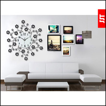 Of modern and simple Diamond Long iron Wall Clock mute Creative arts Pastoral decorative Clock Watch