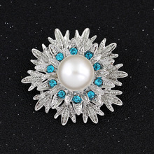 Wholesale Price Cheap Women Fashion Simple Flower Imitation Pearl Brooches Silver Colors with blue or white Crystal WL161209116(China)