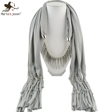 [Marte&Joven] Fashion Multicolor Statement Pendant Necklace Scarf and Wrap Rivet Pendant Alloy Tassel Jewelry Scarves for Women