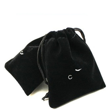 20pcs/lot High Quality Packaging Bag / Gift Pouches/Black 95mm*80mm Jewelry Pouches Flannel Velvet Gift Bag