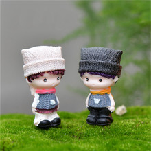 2pcs/set Sweet Kawaii Kids Lovers Couples Resin Home Garden Decoration Ornaments Mini Crafts Bonsai Micro Landscape DIY Hot