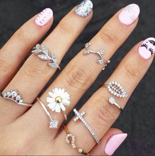 2015 New Cute Sweet Style Crystal Rhinestone 3pcs\set Leaf Crown Cross Midi Knuckle Finger Joint Rings women(China)