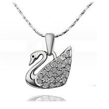 Free Shipping! Fashion Austrian Crystal Swan Pendant Necklace Jewelry Necklace For Women Girl Gift