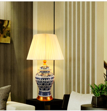 Jingdezhen Vintage style chinese porcelain ceramic desk table lamps for bedside bedroom table lamp blue and white