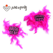 2017 new Bride to be feather brooch bachelorette badge Wedding event decorative for hen event party supplies 60% off if buy 5pcs