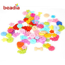 150pcs Random Mixed Color Plastic Buttons Heart Star Flower DIY Sewing Button for Clothing Scrapbooking Craft DIY Home Decor