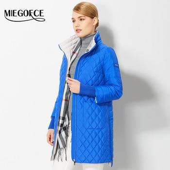 2017 escudo de la mujer del otoño del resorte de las mujeres de moda a prueba de viento abrigos esquimales chaqueta con bufanda resorte femenino nuevo diseño de la venta caliente miegofce