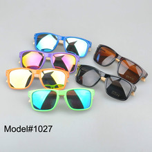 #1207 man's bamboo nature sunglasses UV400 Polarized lens with spring hinge 6 color choice