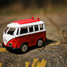 1:38 multiple Colour Surfboard bus Die-cast metal Alloy car model kids toys Decoration Sound and light pull back