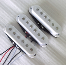 Sell Free Shipping 3pcs/Set warm and bright sound Alnico 5 stragger pole single coil guitar pickup(China)