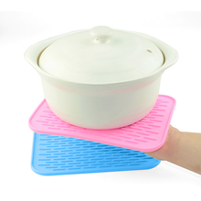 Square Stripe Silicone Heat Resistant Pad Non-slip Kitchen Use Insulation Cushion Anti Ironing Casserole Mat Tray Pad  Blue