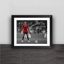 Изумленный Криштиану Роналду Кубок мира Hat-trick Liga Barb Shot Wood Photo Frame CR Autograph Picture Frame football Fans сувенир(China)