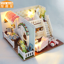 Assemble DIY Doll House Toy Wooden Miniatura Doll Houses Miniature Dollhouse toys With Furniture LED Lights Birthday Gift TD8