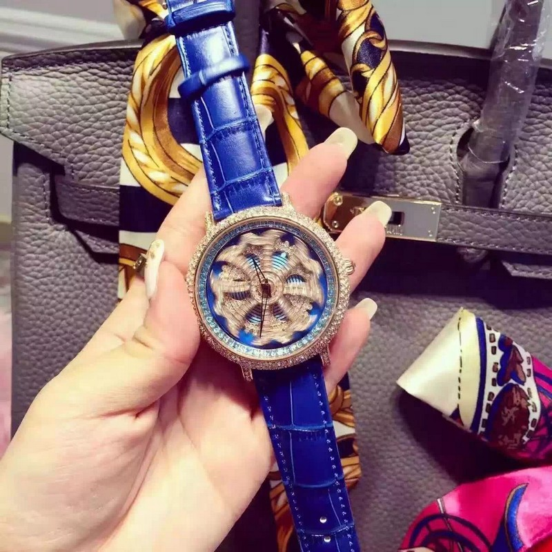 2017 New Fashion Famous Brand Blue Rotate Big Dial Design Fashion Luxury Women Quartz Wrist Watch montre homme<br>