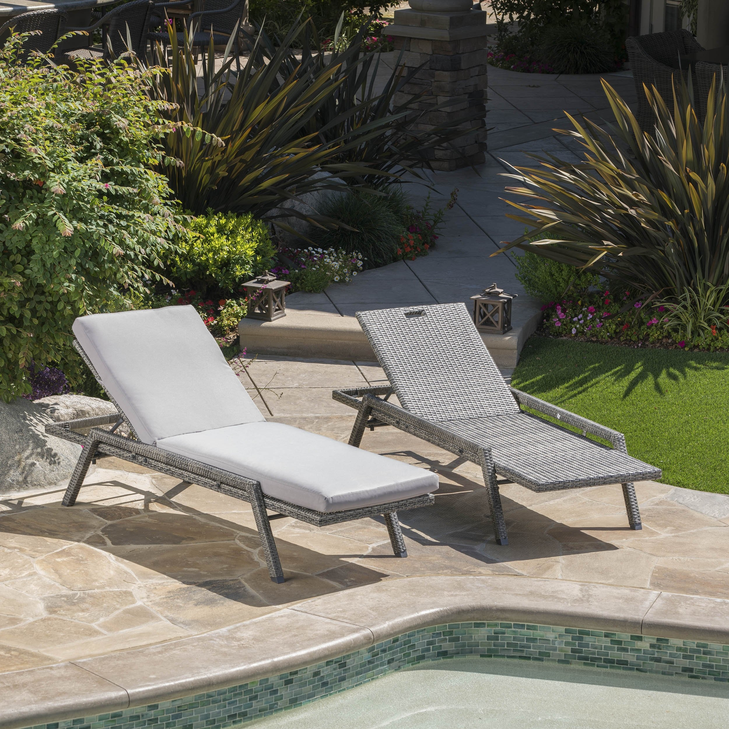 Fiora Outdoor Wicker Chaise Lounge w/ Grey Water Resistant Cushion (Set of 2) (2)