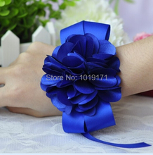 Prom 6pcs Handmade Boutonniere Fabric Artificial Rose Corsage Wrist Flower Bracelet Wedding Church Decor Royal Blue F402(China)