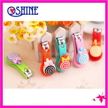 Free Shipping 2pcs/lot Lovely Cartoon Nail Clippers Candy Color Nail Cutter Lollipop Nail Scissors Home Supplies Cute Nail Tool
