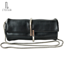 2017 New Round Mini Clutch Bag New Sheepskin Hand Bag Female Sliver Clip Catch Closed Pink Shoulder Small Chain Messenger Valise
