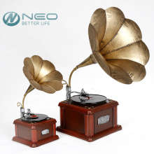 NEO Metal Retro Phonograph Model Vintage Record Player Prop Antique Gramophone Model Home Office Club Bar Decor Ornaments